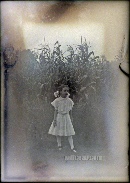 girl-corn