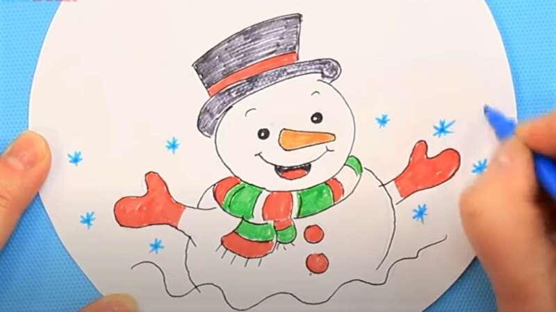 раскрашенный снеговик