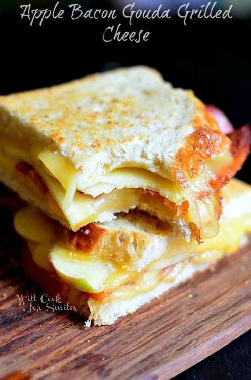 Apple Bacon Gouda Grilled Cheese 2 (c) willcookforsmiles.com #apple #bacon #sandwich