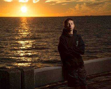 portrait-sunset-pier-2
