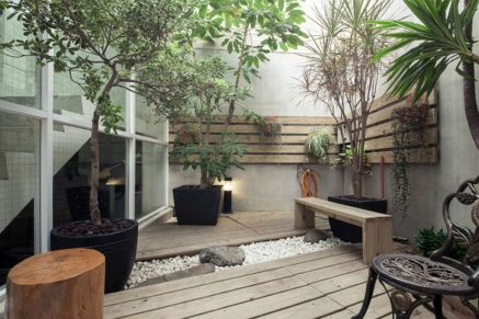 Courtyard wood deck with planters-PDF