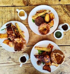 Veggie sunday roast William IV pub London food