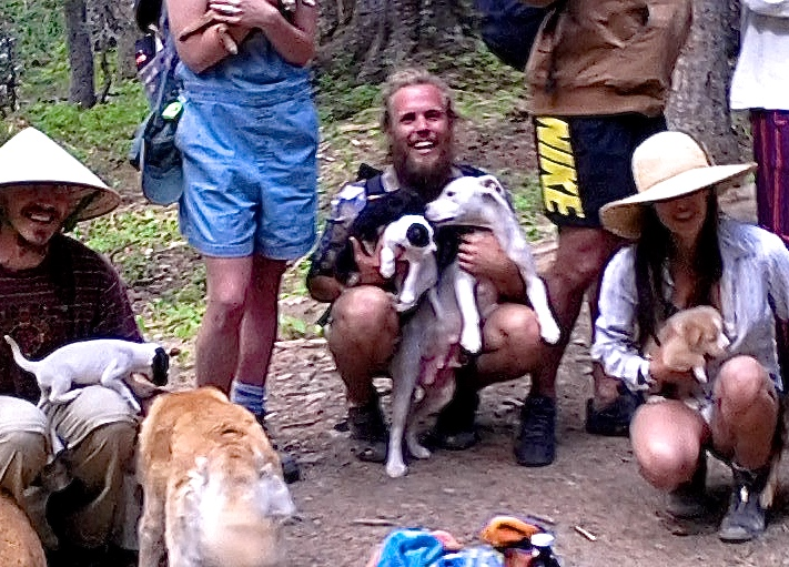 Amazing dogs you meet on the Trail! And their owners more amazing!