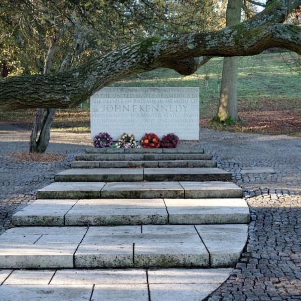 Kennedy Memorial William Smalley Architect