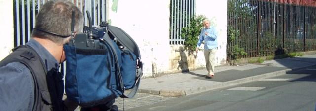 Adam Hart-Davies filming at Williamson's house site