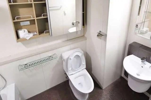 Welke Schroeven Badkamer : Badkamer toilet en keuken accessoires kranen en douche williejan