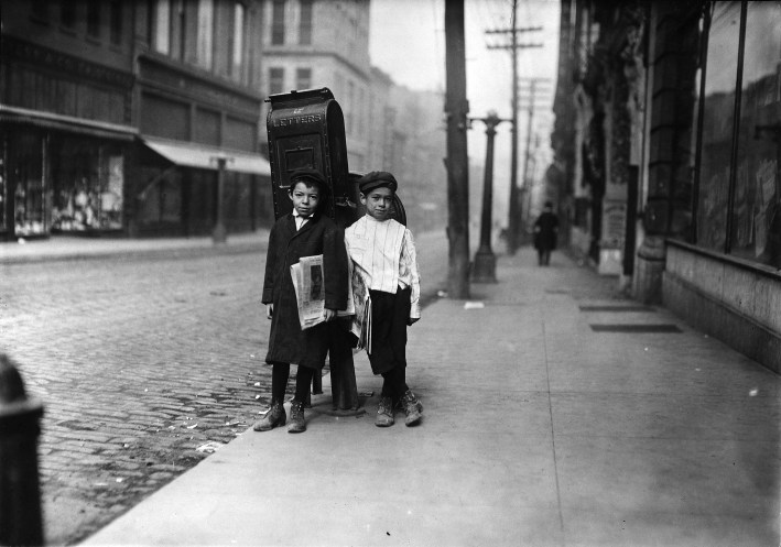 Two 7 year old newsies, profane and smart, selling Sunday. Nashville, Tenn. - NARA - 523340