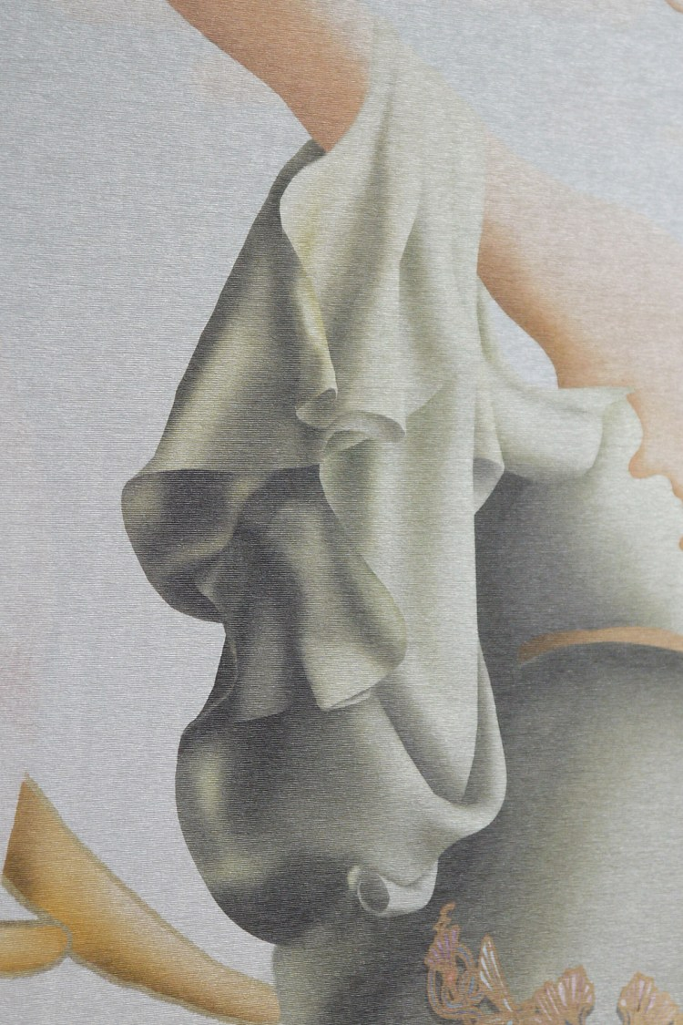 Custom Luxury Pearl Shimmery Interior Wallpaper
