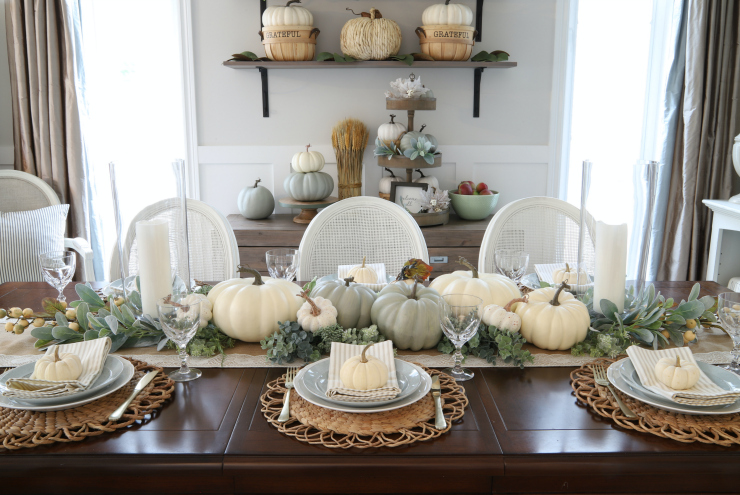 Easy pumpkin tablescape for fall Interior Bloggers In 2019