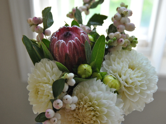 dahlia_wedding_flowers