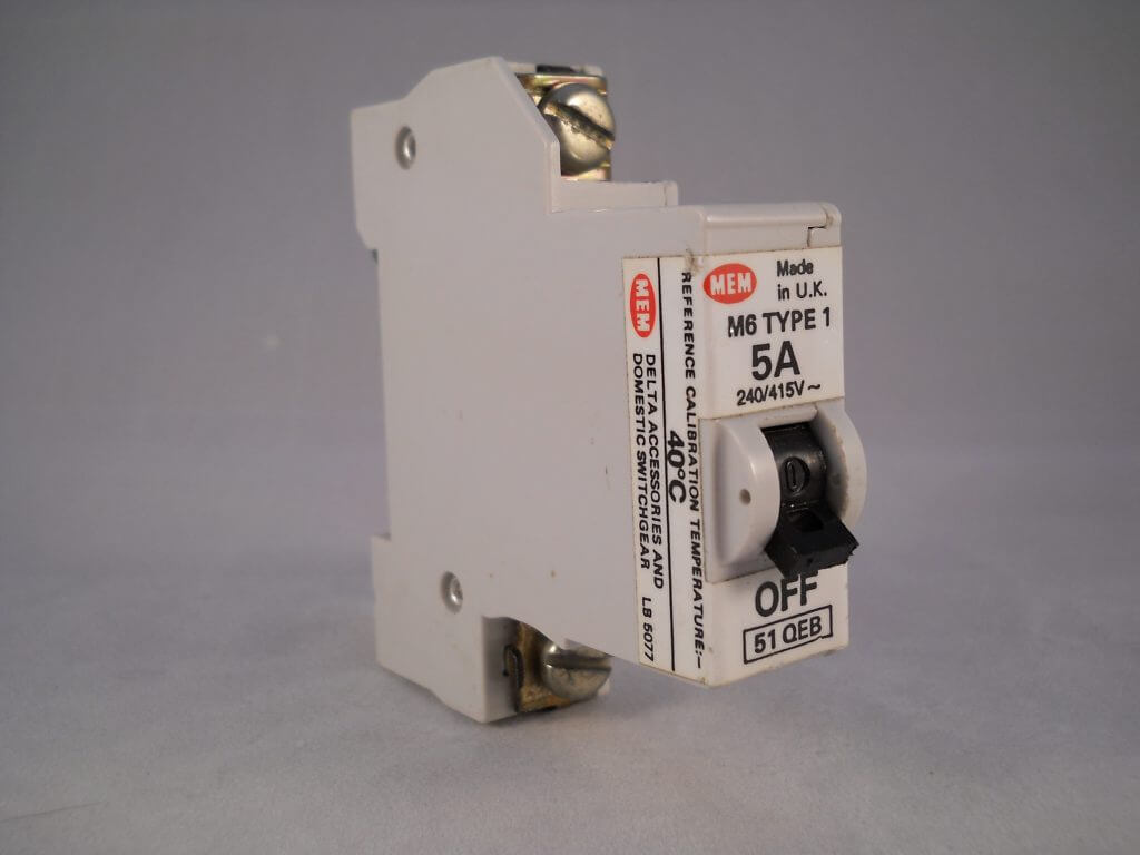 Mem Mcb Type 1 5 Amp M6 Single Pole 5a Circuit Breaker Memera 21 51qb