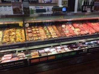 Fleischtheke bei WholeFoods (kleiner Ausschnitt davon)