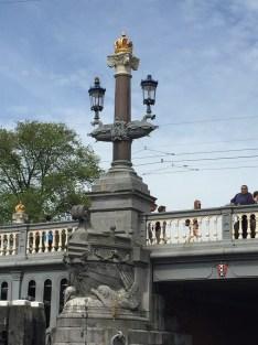Blaue Brücke, auch wenn sie jetzt grau gestrichen ist...