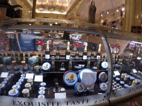 Die obligatorische Kaviar-Auslage