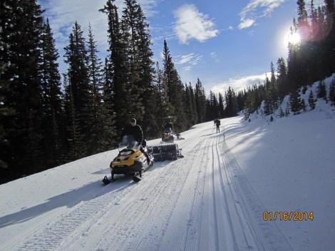 Moraine Lake Rd Lake Louise.Track Setting