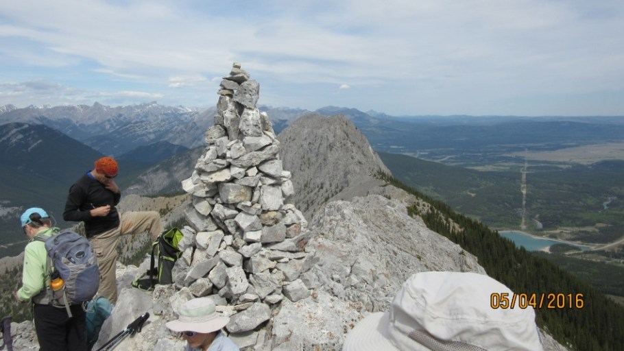 Cairn summit South Baldy