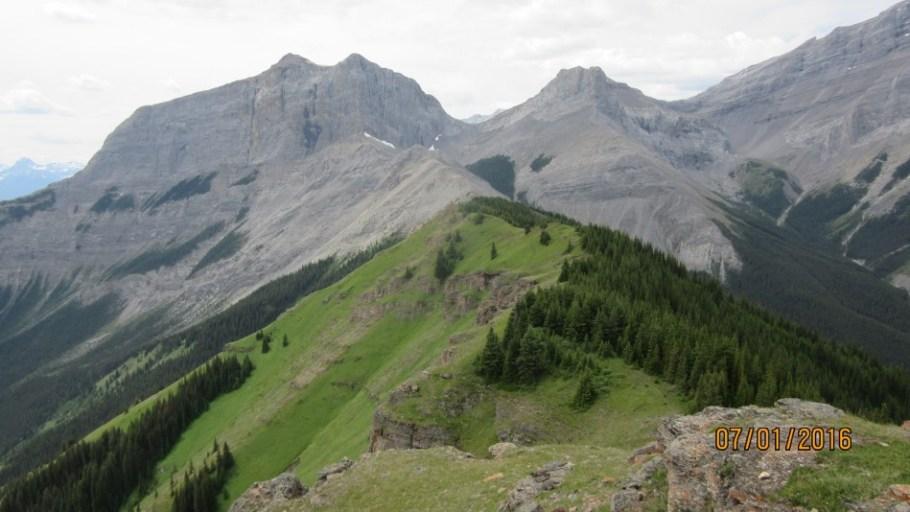 Further ridge ahead after a down climb Rimwall behund