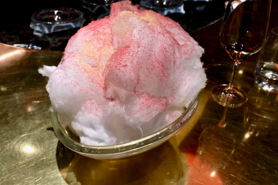 é by José Andrés - Extra cotton candy from the Empanada course