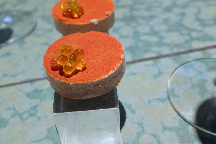 """Disfrutar - Tomato """"polvorón"""", arbequina oil caviar"""