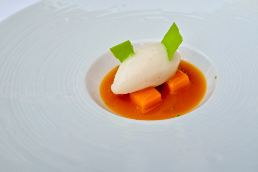 Epicure - Mango, orange blossom vanilla sorbet, lime