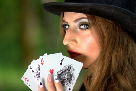 DVD Review: Final Table Poker With Phil Gordon