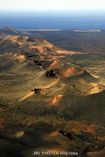 Vista aérea. Parque Nacional de Timanfaya. Lanzarote. Canary Islands. WU PHOTO © Willy Uribe Archivo Fotográfico Reportajes