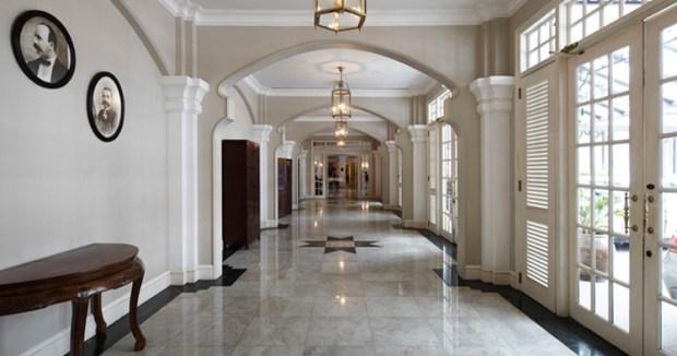 e-o-hotel_hallway