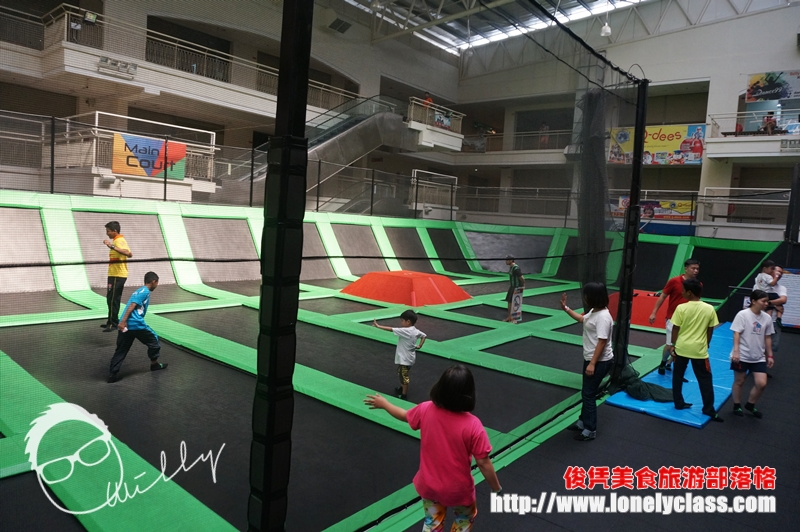 畅游槟城: Penang Jump Street Trampoline Park