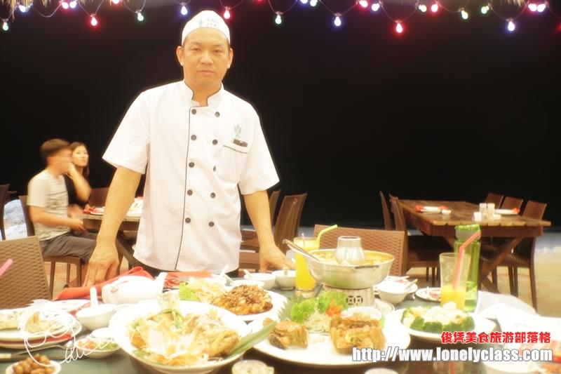 经验丰富的中餐厨师邱文进先生
