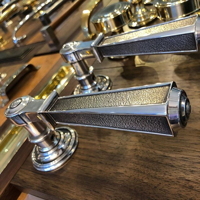 Our antique silver finish accentuates the hand chased detail on these dauman door levers