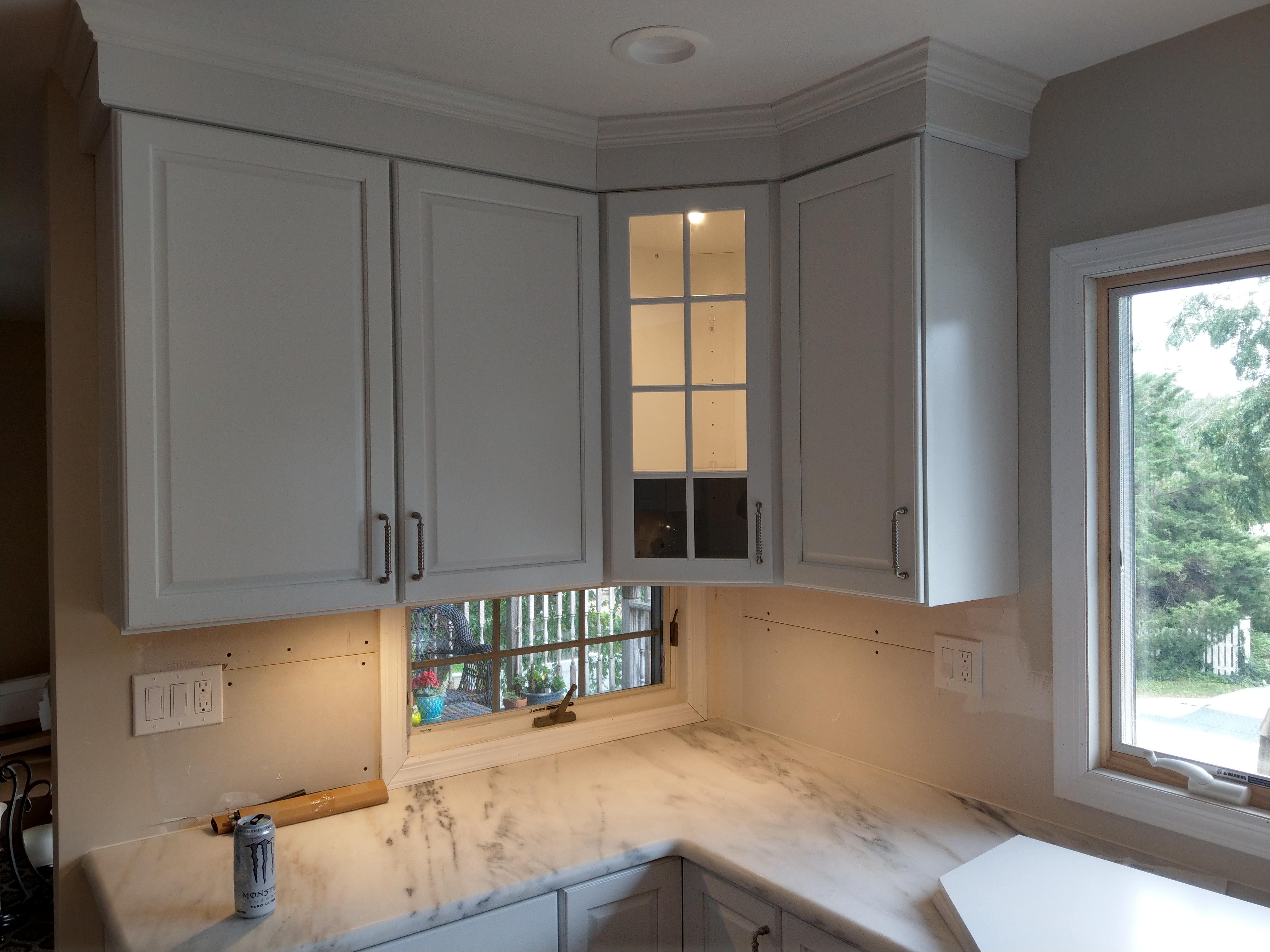 under above cabinet lighting west