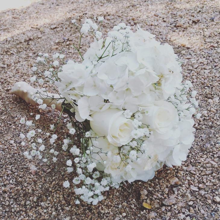 bridal bouquet cream and white wedding wilson floral design helotes