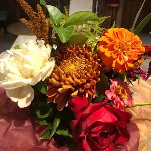 heirloom mum bouquet