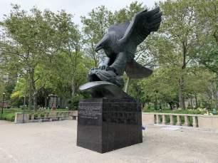 Kriegerdenkmal im Battery Parc