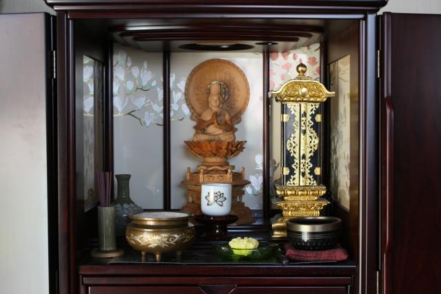 実家の仏壇のイメージ