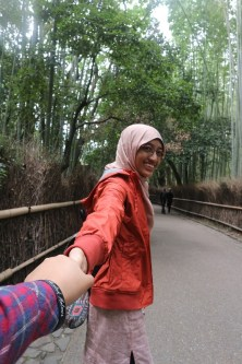 Kak Difa, who was that mysterious man holding your hand?