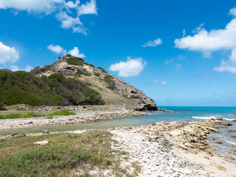 """Antigua Deep Bay: Das Fort auf der Spitze des """"Berges"""""""