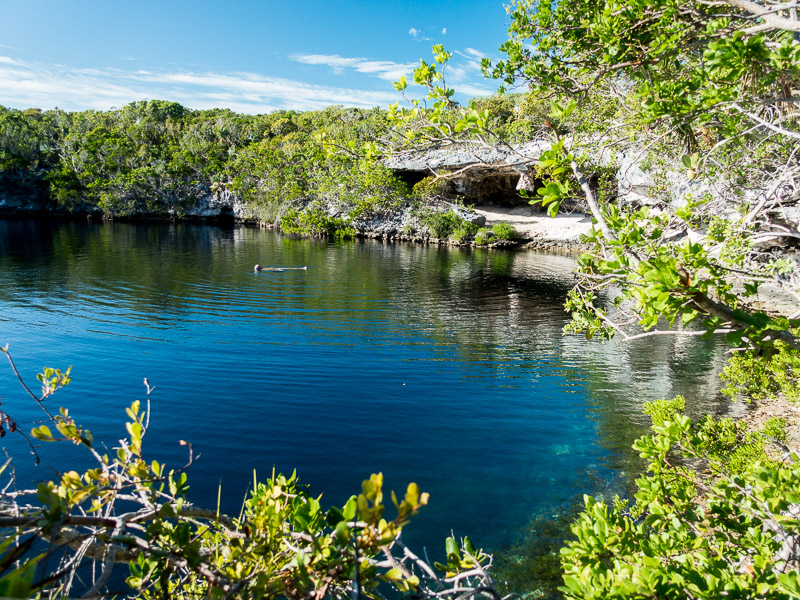 Hoffmans Cay Blue Hole