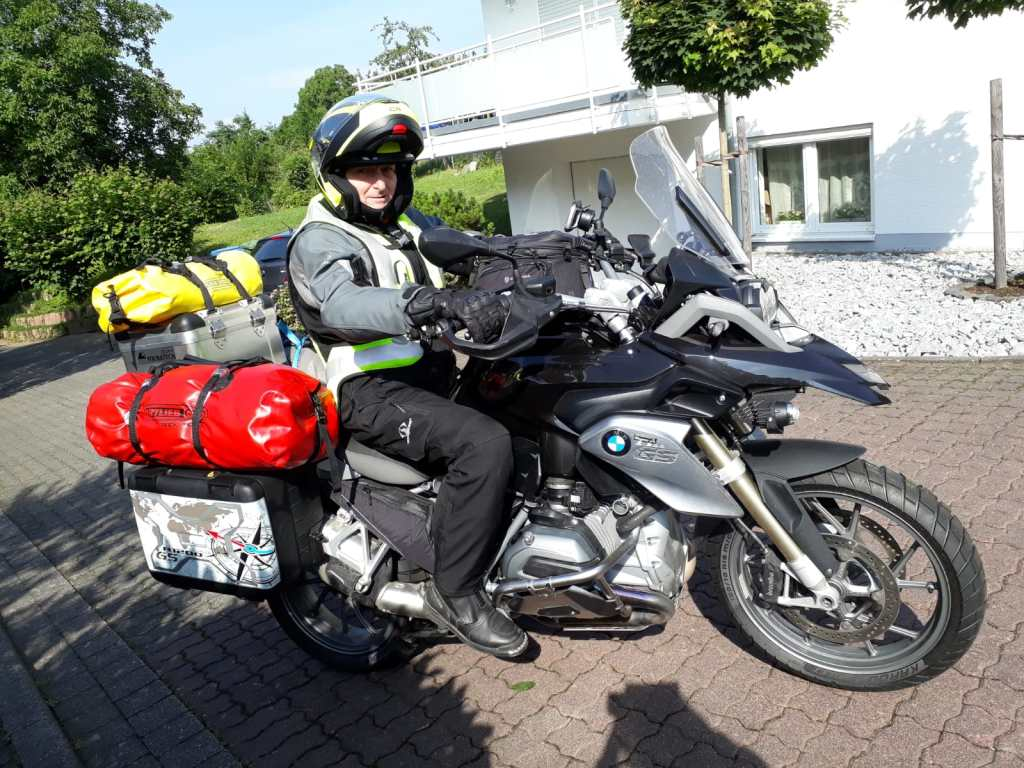 Abfahrt in Koblenz, vollgepackt und vollgetankt