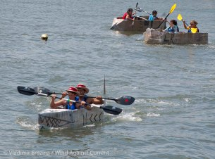 Cardboard-kayak-race-53