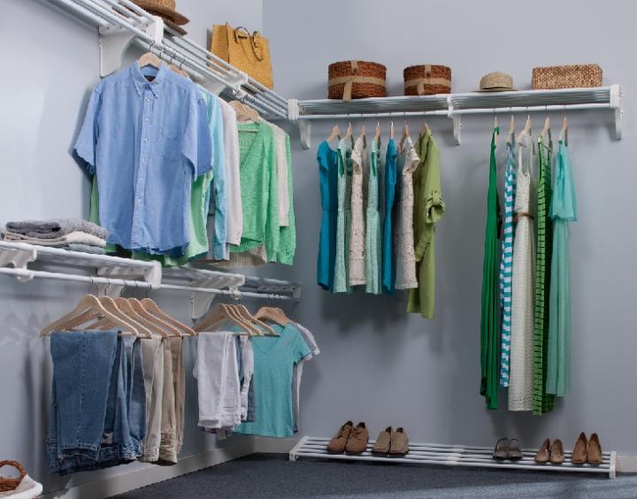 Walk In Closet (CC-Author Wjablow)