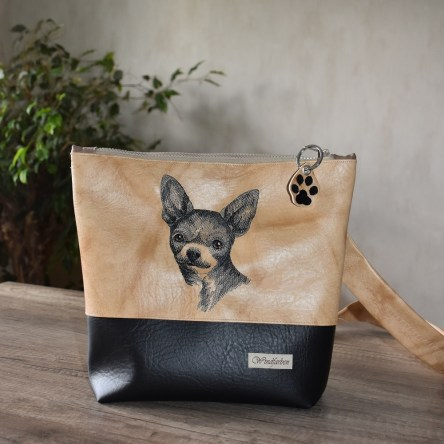 Kurzhaar Chihuahua hellbraun-schwarz