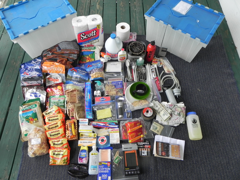 photo of emergency food boxes