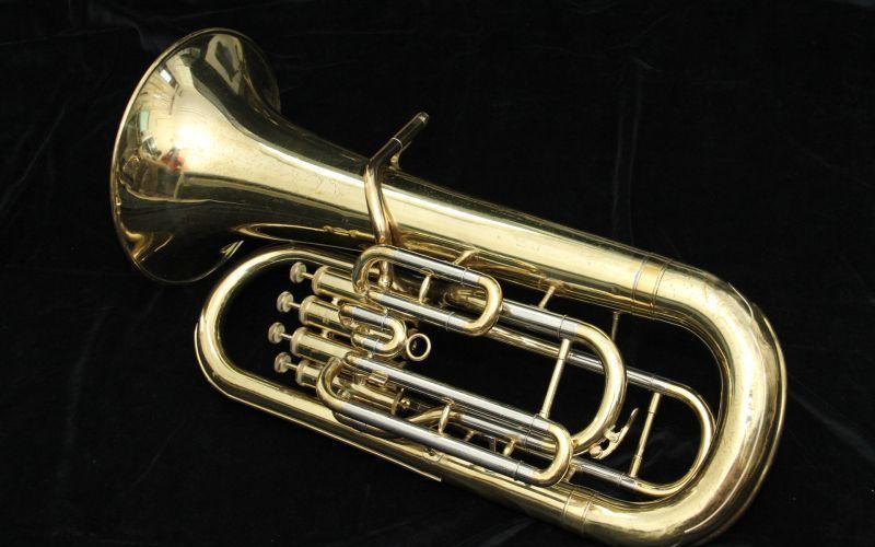 吹奏楽の楽器 性格や特徴 チューバは体型も重要!