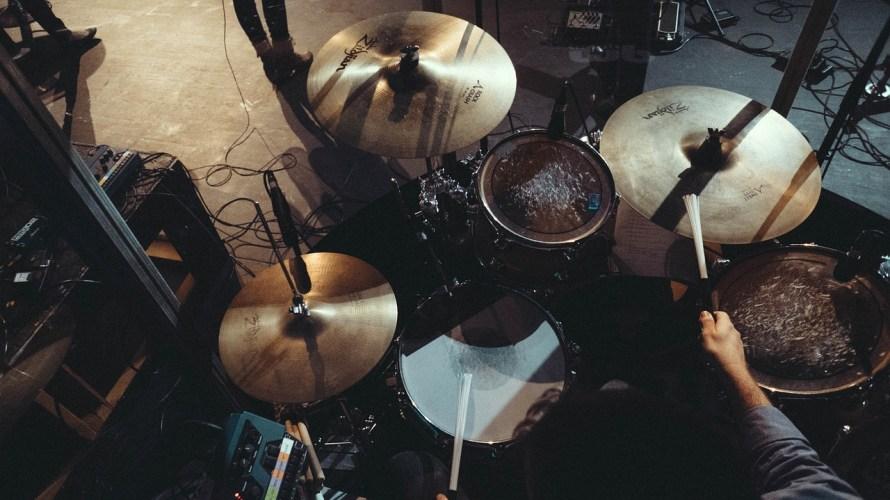 吹奏楽のドラムとバンドのドラムは何が違う?