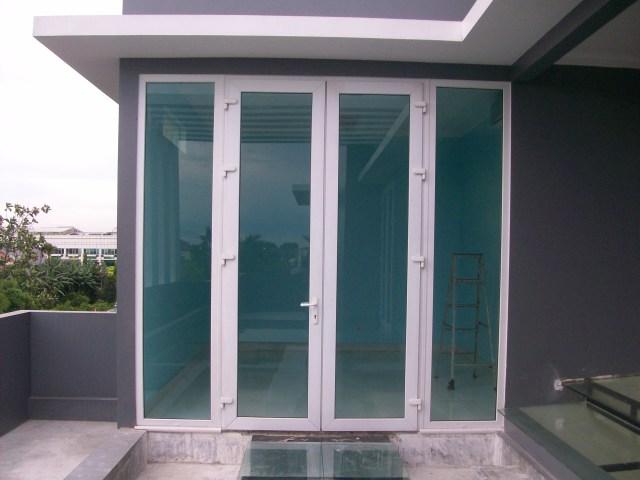 Daun Pintu Aluminium