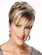 short-hairstyle-ideas-women-over-50-with-thin-hair