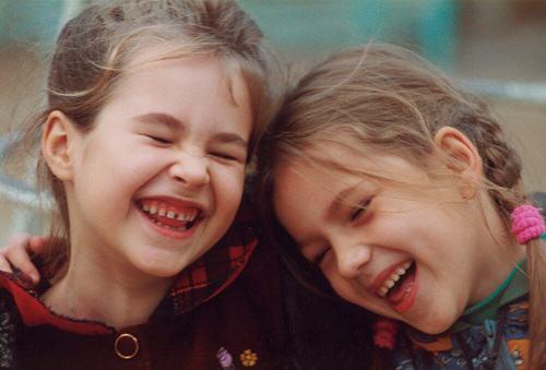 Aprendiendo a ser feliz riendo como cuando eramos niños