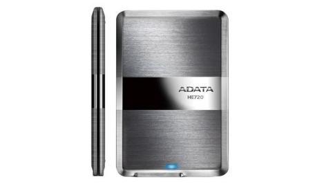 disco duro ADATA ultra delgado con tecnología avanzada en su carcasa