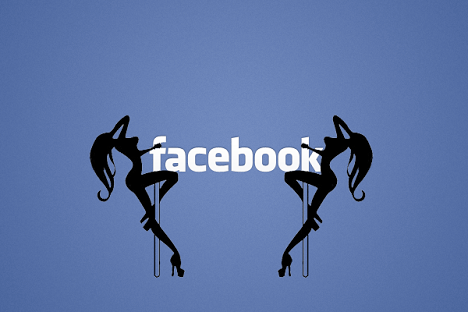 Mujer demanda a Facebook